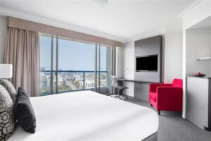 Mantra on Queen (19 minute walk to the venue) - Mantra-on-Queen-Brisbane-Hotel-Room.t85911